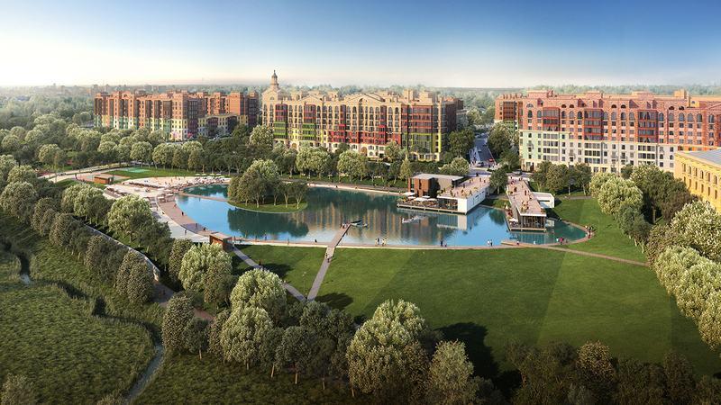 Зеленый парк и чистый пруд видны из окон жилого комплекса