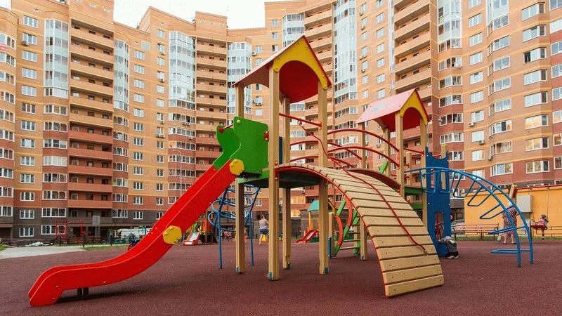 """Детская площадка во дворе ЖК """"Зеленые аллеи"""""""