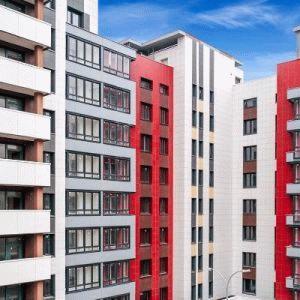 Как купить квартиру в доме под реновацию в Москве?