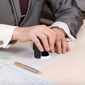 Оформление договора купли-продажи квартиры у нотариуса: когда это необходимо