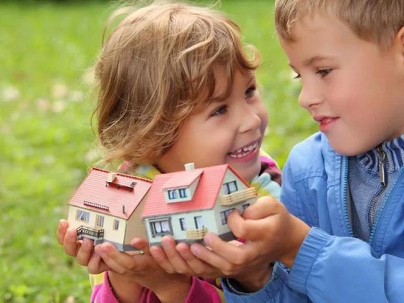 Российское законодательство позволяет приобретать недвижимость для несовершеннолетних