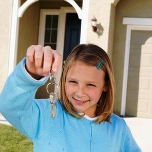 Можно ли продать квартиру если прописан несовершеннолетний ребенок