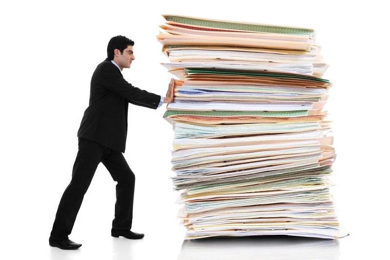 Перед сделкой необходимо проверить имеющиеся документы на недвижимость