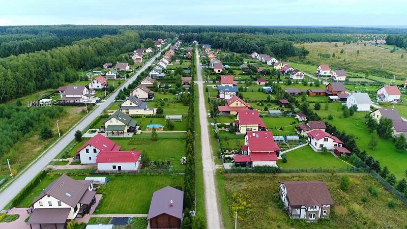 Образовывать юрлицо для решения совместных проблем, могут не только жители многоквартирных домов, но и владельцы дач, жители коттеджных поселков