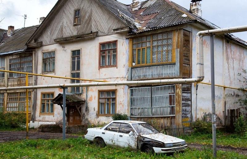 Дома, признанные аварийными, подлежат обязательному расселению