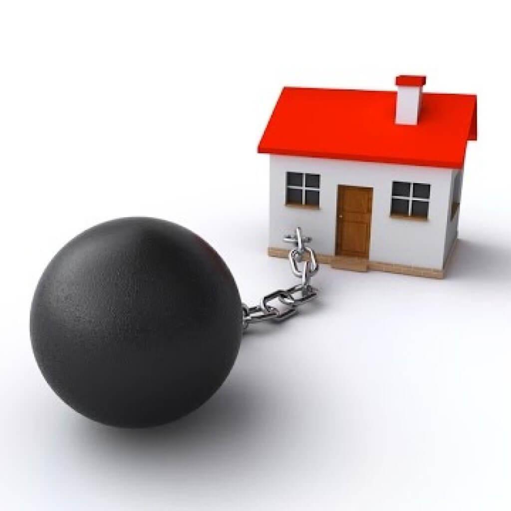 Практически каждый договор ипотечного кредитования накладывает обременение на объект недвижимости